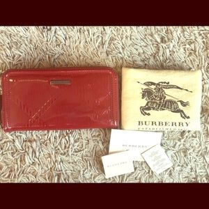 Authentic Burberry Patent Leather Zippy Wallet